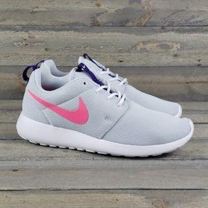 New Women's Nike Roshe One Running Shoe sz 8